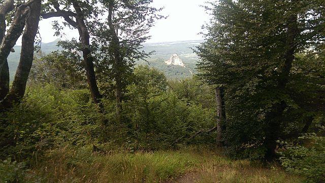 Вид на гору Развал – с вершины горы Железной.
