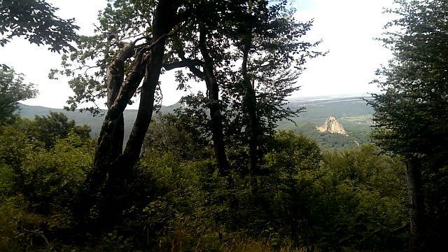Фото. Вид на гору Развал с вершины горы Железной.