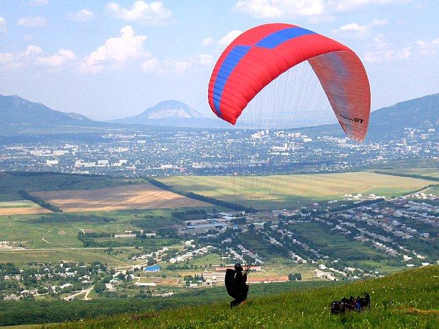 Полет на параплане над горою Юца.