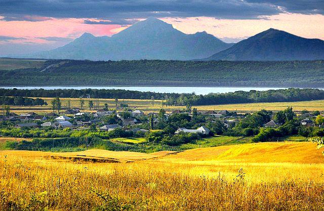 Целебные грязи Кавказских Минвод. Загадочное озеро Тамбукан.