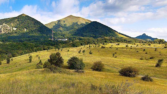 Панорама гор Пятигорья, гора Медовая последняя