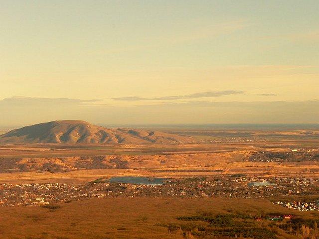 Панорама на гору Лысую и Лысогорские озера.