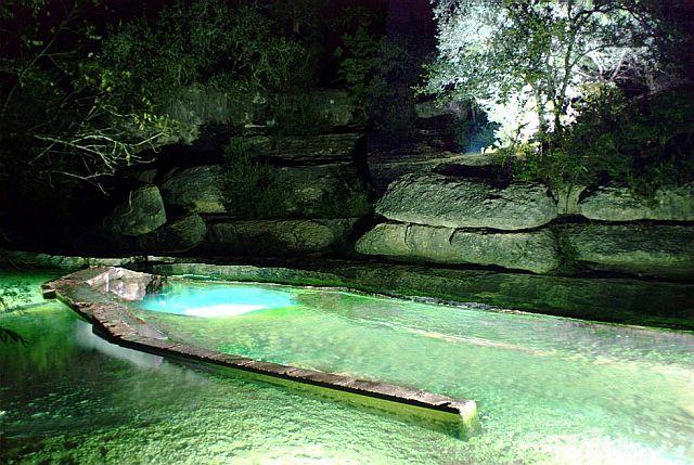 Подводная карстовая пещера в Графстве Хейс – США.