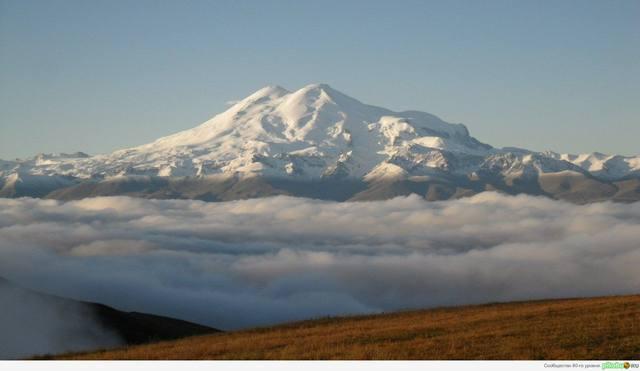 Вершины Кавказа вид на Эльбрус с плато Бермамыт