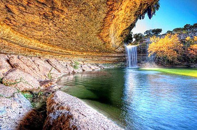 Озеро Гамильтон Пул. Необычные озера планеты.