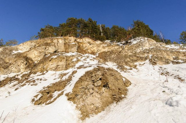 Скала Высокий камень на реке Ирень